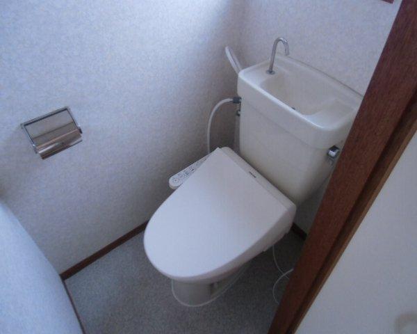 第2金泉ビル 301号室のトイレ