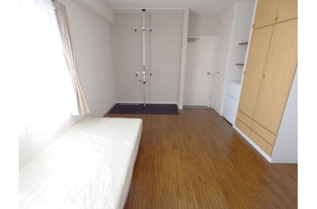 【シェアハウス】ドミール花小金井Peda 202号室のリビング