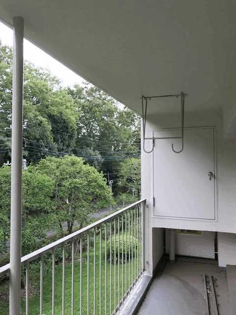 公社久米川駅東住宅23号棟 302号室の収納