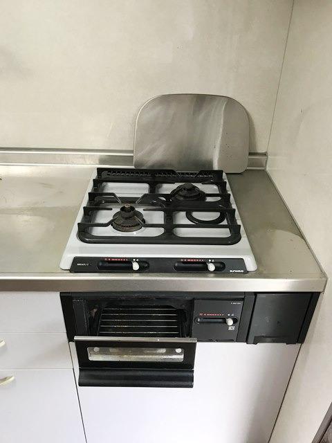 公社久米川駅東住宅23号棟 302号室のキッチン