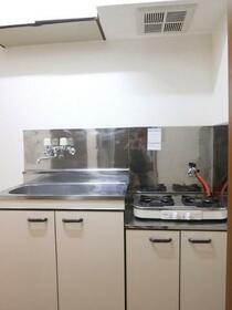 秋桜 103号室のキッチン