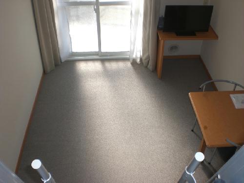 レオパレスガーデンプレイス 108号室のベッドルーム