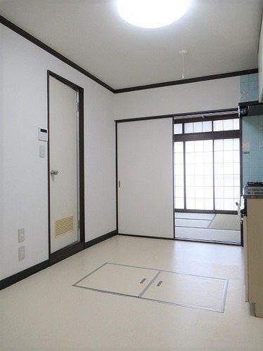 武蔵野サンハイツ滝山パート1 103号室のリビング
