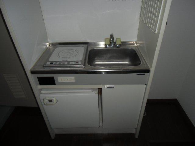 マリンハイツ鷹の台 202号室のキッチン