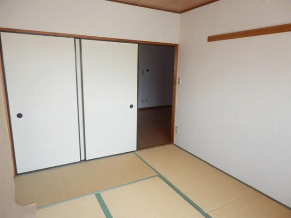 グリーンシャトル 301号室のベッドルーム