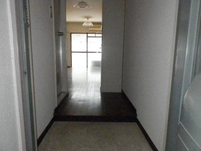 オーケービル 201号室の玄関