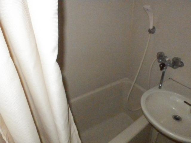 オーケービル 201号室の風呂