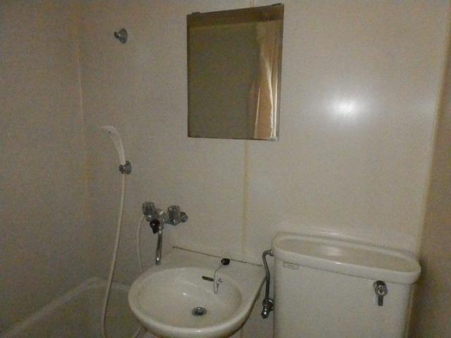 オーケービル 201号室の洗面所
