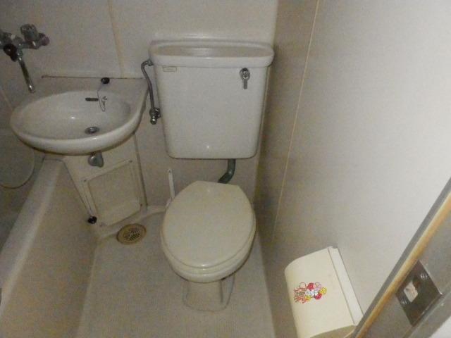 オーケービル 201号室のトイレ