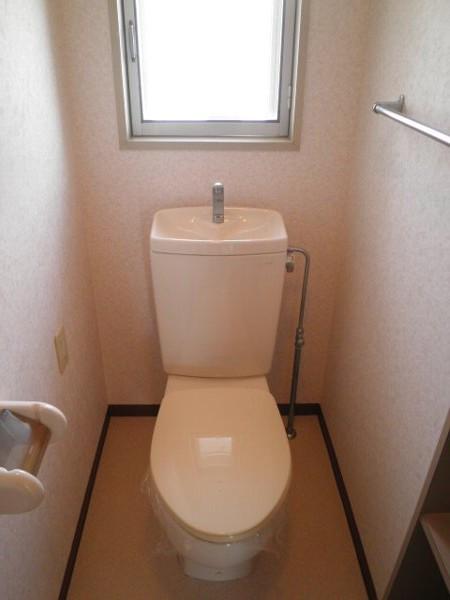 グラースHY 302号室のトイレ