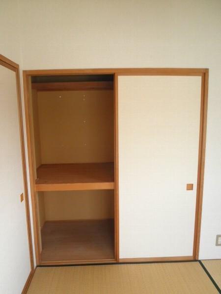 グラースHY 302号室の収納