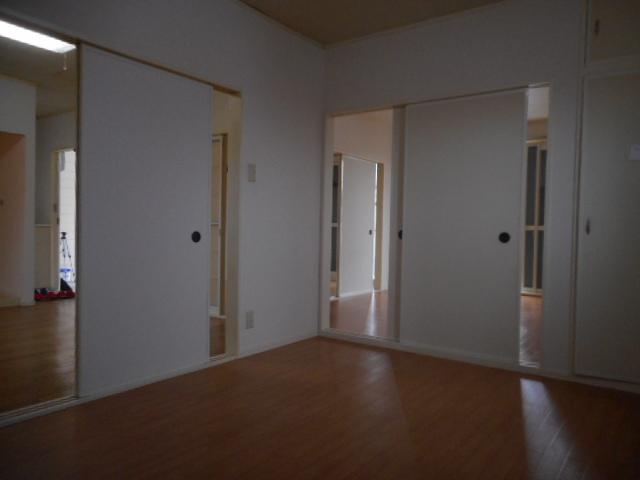 サングレイトⅡ 201号室の玄関