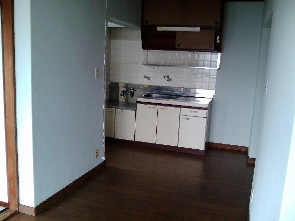 不二見シュロス A-3号室のキッチン