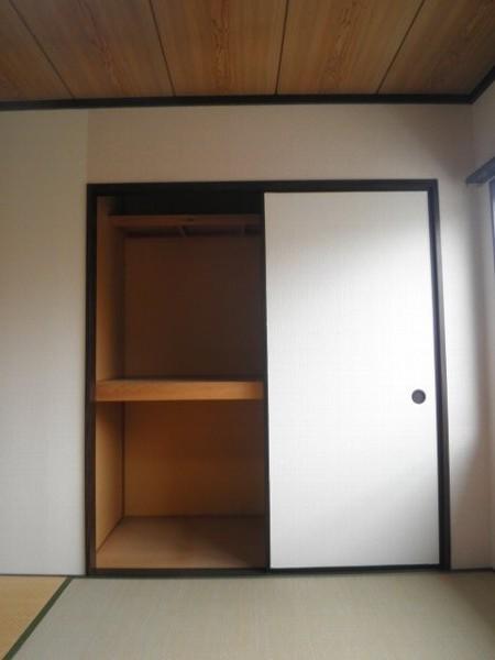 タウニィあけぼの B 101号室の収納