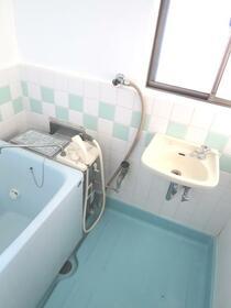 三晃ハイツ 202号室の風呂