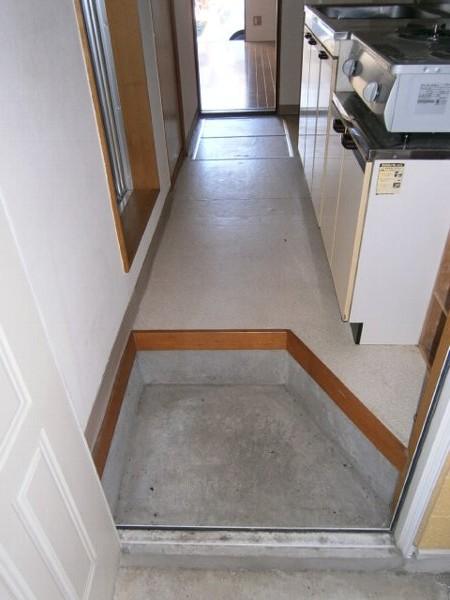 エクセルK 102号室の玄関