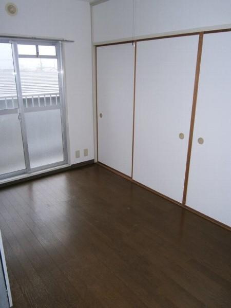 ヴィラエスポワール 303号室のリビング