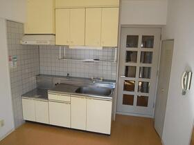 ステイヒルズ 503号室のキッチン