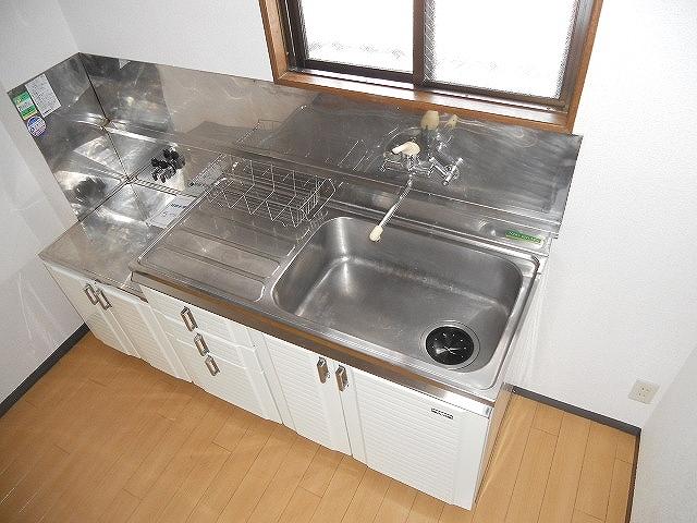 レジデンスヨコヤマ 303号室のキッチン