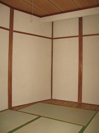 村田ハイツ(みたけ台) 202号室の居室