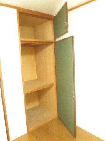 シティハイム松田 101号室の収納