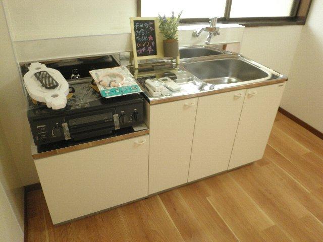 シティハイム松田 101号室のキッチン