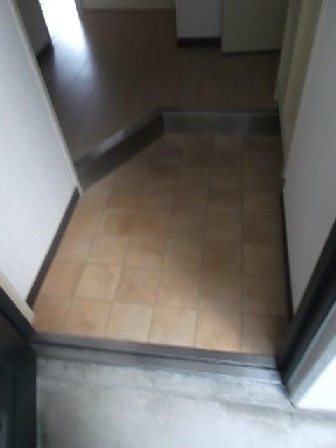 グリーンプラザ春日 207号室の玄関