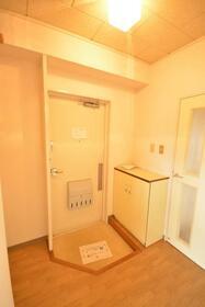 サンフラワー 402号室の玄関