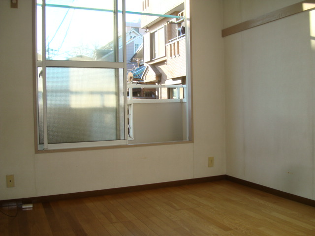 雅ハウス 107号室の景色
