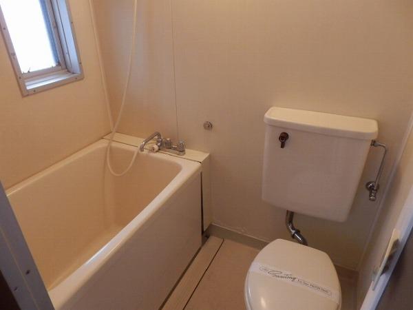 カエデハイツA 102号室の風呂