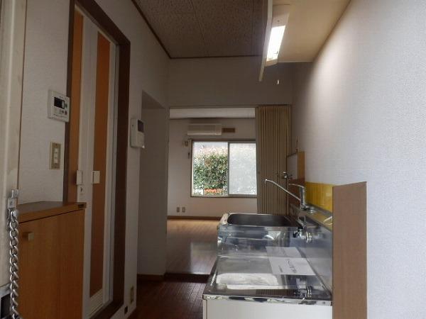 カエデハイツA 102号室のキッチン