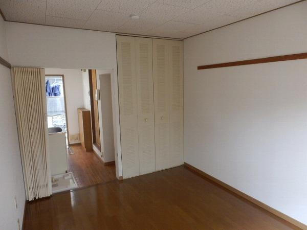カエデハイツA 102号室のリビング