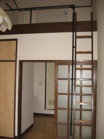 サンシャイン 201号室のベッドルーム