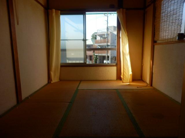 大野荘 203号室のベッドルーム