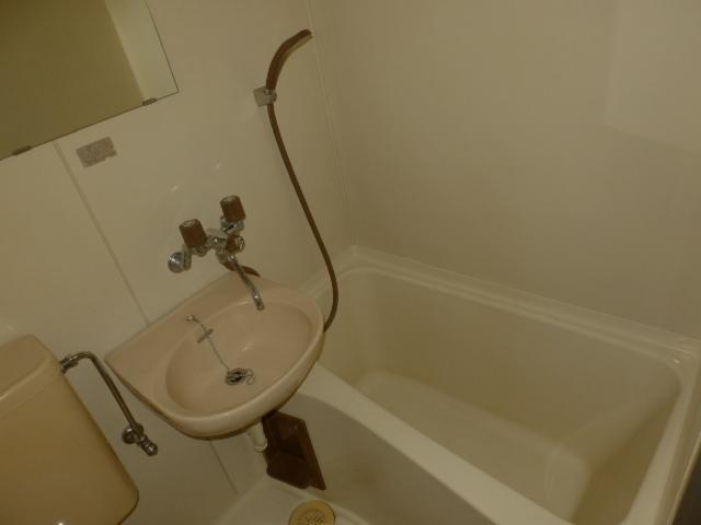 セゾンサンヒルズ 201号室の風呂