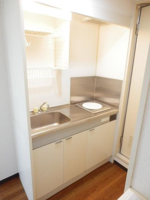 ブランニュー美しが丘 402号室のキッチン