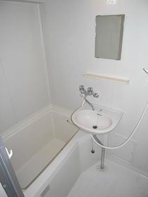 石原第7マンション 203号室の風呂
