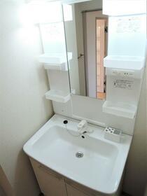 パインクレスト1番館 407号室の洗面所