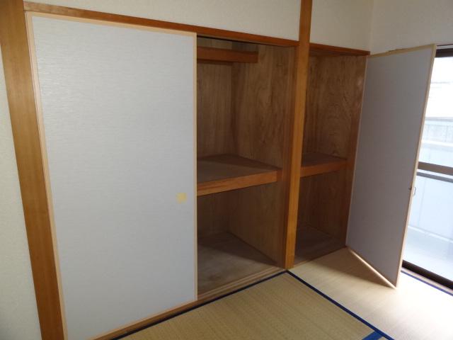 フォレスト'98 B102号室の収納