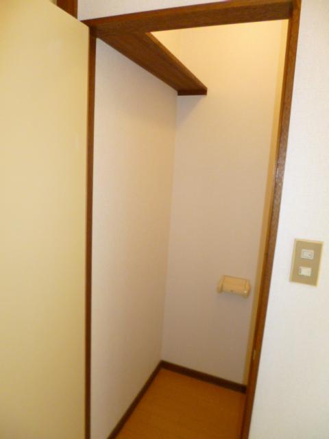コートビレッヂ 02010号室のトイレ