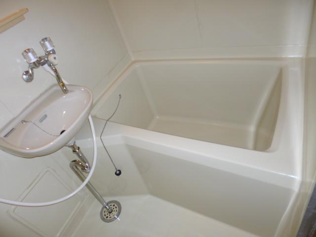 コートビレッヂ 02010号室の風呂