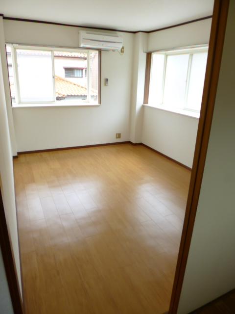 コートビレッヂ 02010号室のベッドルーム