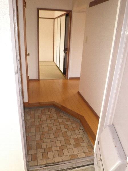 いほざきハイツ 106号室の玄関