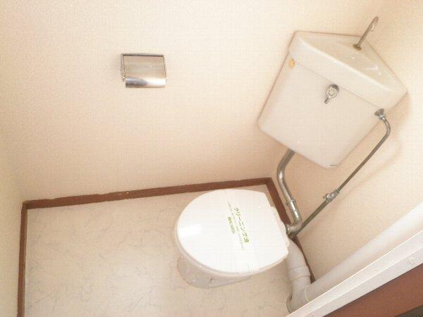 いほざきハイツ 106号室のトイレ