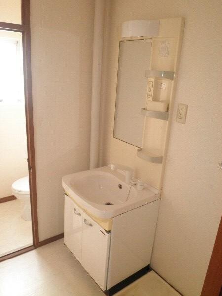 いほざきハイツ 106号室の洗面所