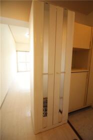 ローズガーデン 204号室の収納