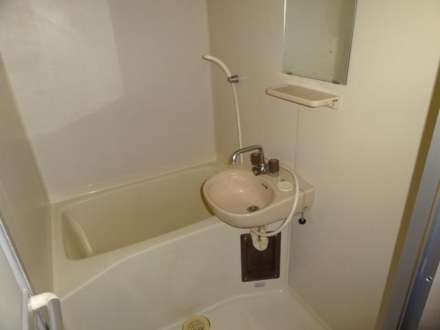 リージェント手越原 403号室の風呂