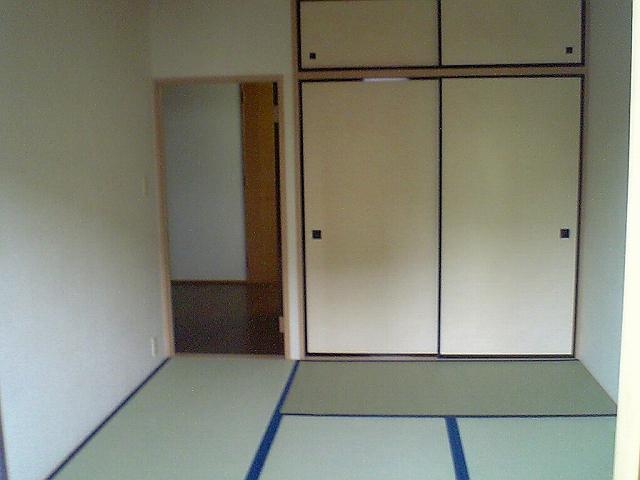 ファミーユ 102号室の居室