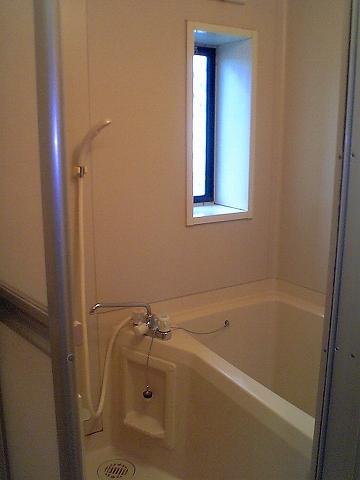 ファミーユ 102号室の風呂