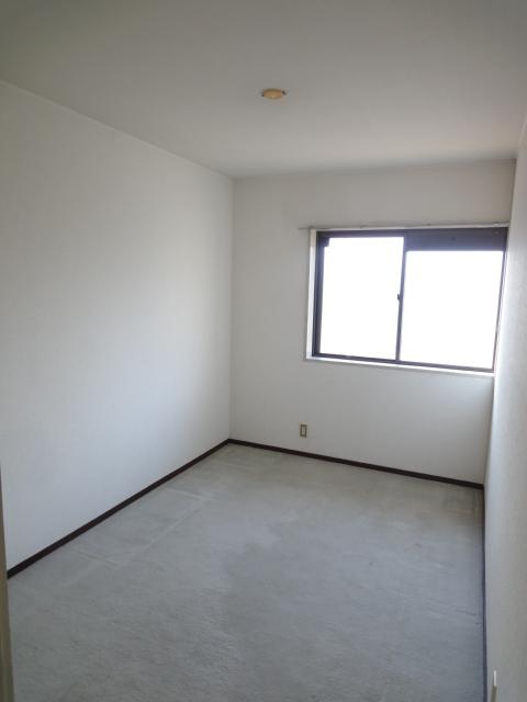 モンテベルデ高野 206号室の居室